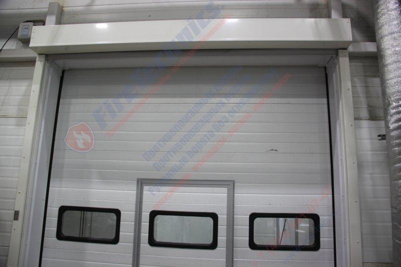 Комплексное решение - противопожарная штора FireTechnics EI60 + промышленные секционные ворота